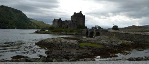 Eilean Donan Castle in Schottland @schottland rundreise