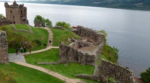 Urquhart Castle in Schottland Ruine @ schottlandrundreise