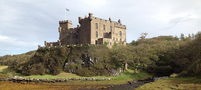 Dunvegan Castle in Schottland flickr (c) freakland CC-Lizenz